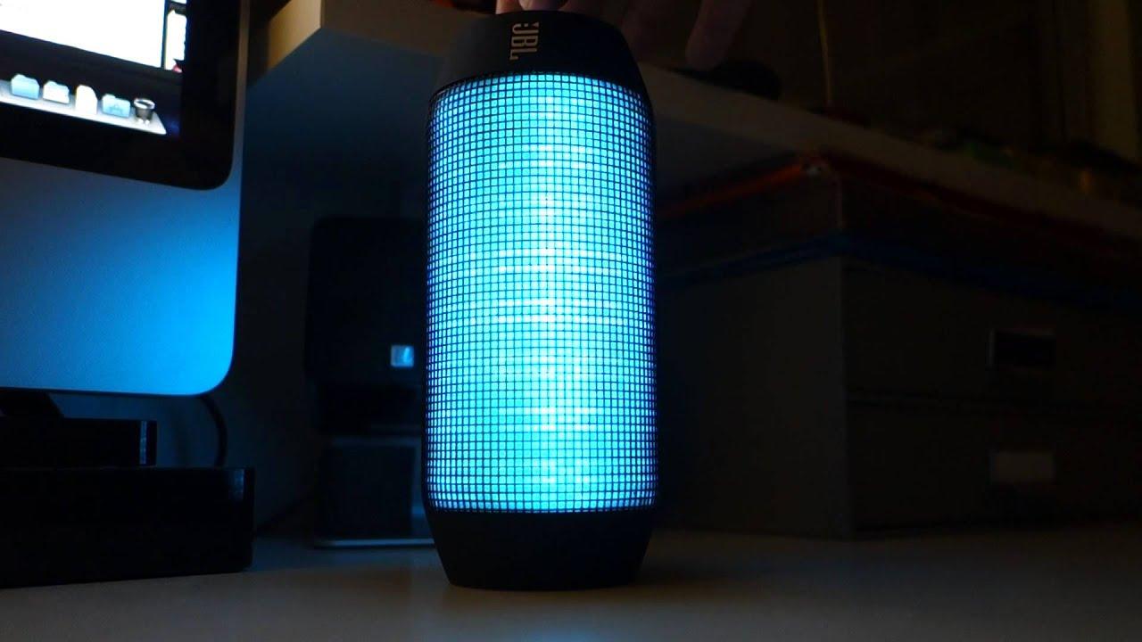 enceinte bluetooth jbl pulse d monstration des effets. Black Bedroom Furniture Sets. Home Design Ideas