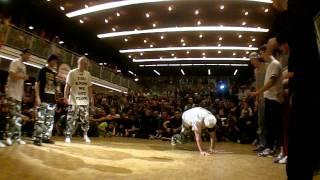 Flow Mo vs Ruffneck Attack | Circle Kingz 2011 Final | Switzerland