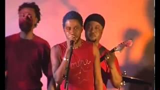 Ferre gola chante Fally Ipupa
