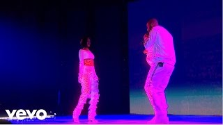 Rihanna - Work - Live at The BRIT Awards 2016 ft. Drake