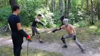 Урок фехтования на саблях на очередной тренировке