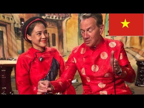"""BBC's Great Asian Railway Journeys """"Da Nang to Hoi An"""" S01E08 [1080P] HD"""