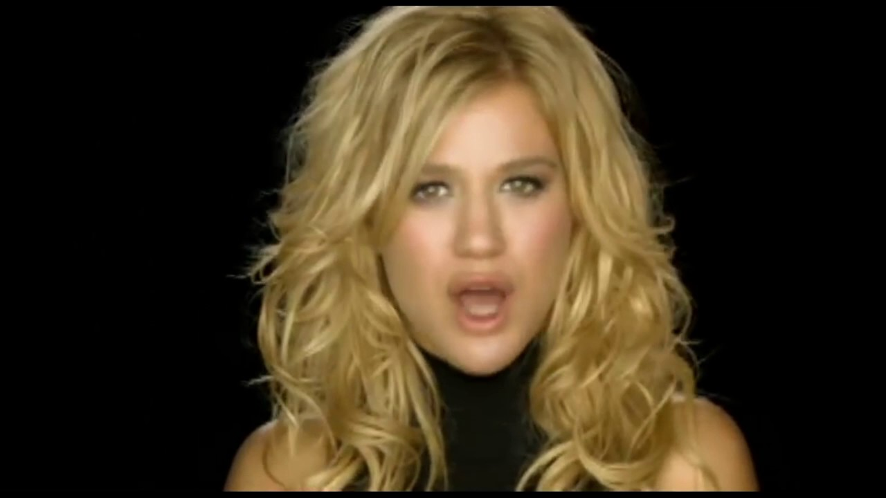 Kelly Clarkson - Because Of You [Backwards] Video - YouTube