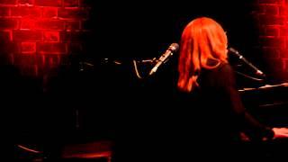 Tori Amos Sydney City Recital Hall 20 November 2014 Dark Side of the Sun #2