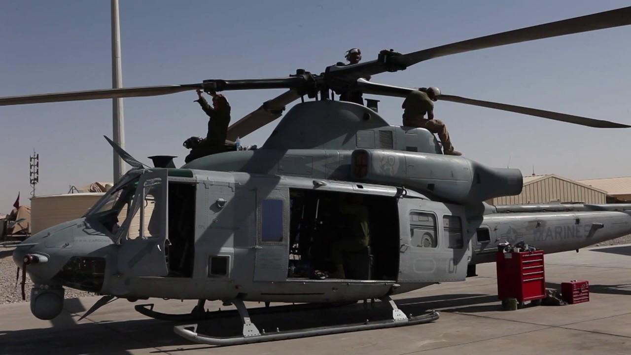 AH-1W Cobras Maintenance - YouTube