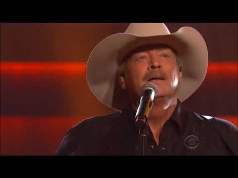 Alan Jackson performs The Fireman & Marina Del Rey by George Strait live in concert 2017 HD 1080p