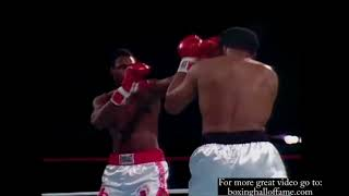 Boxing Hall Of Fame MUHAMAD ALI VS LARRY HOLMES