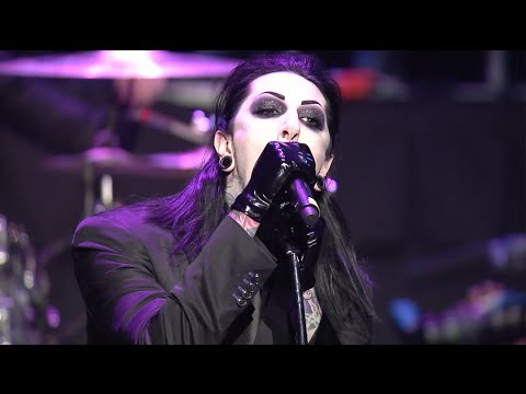 APMAs: Motionless In White perform