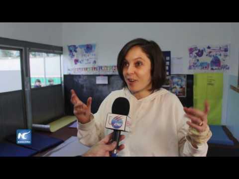 Inmersos en yoga, niños de un jardín de infantes de Buenos Aires