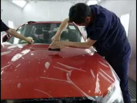 海外パートナーレポート | 洗車の王国 香港 香港でペイントプロテクションフィルムBMWのボンネット上にシンクシールドの特徴テスト。 ペイント...