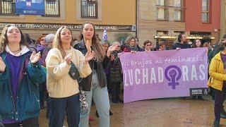 8M En Oviedo