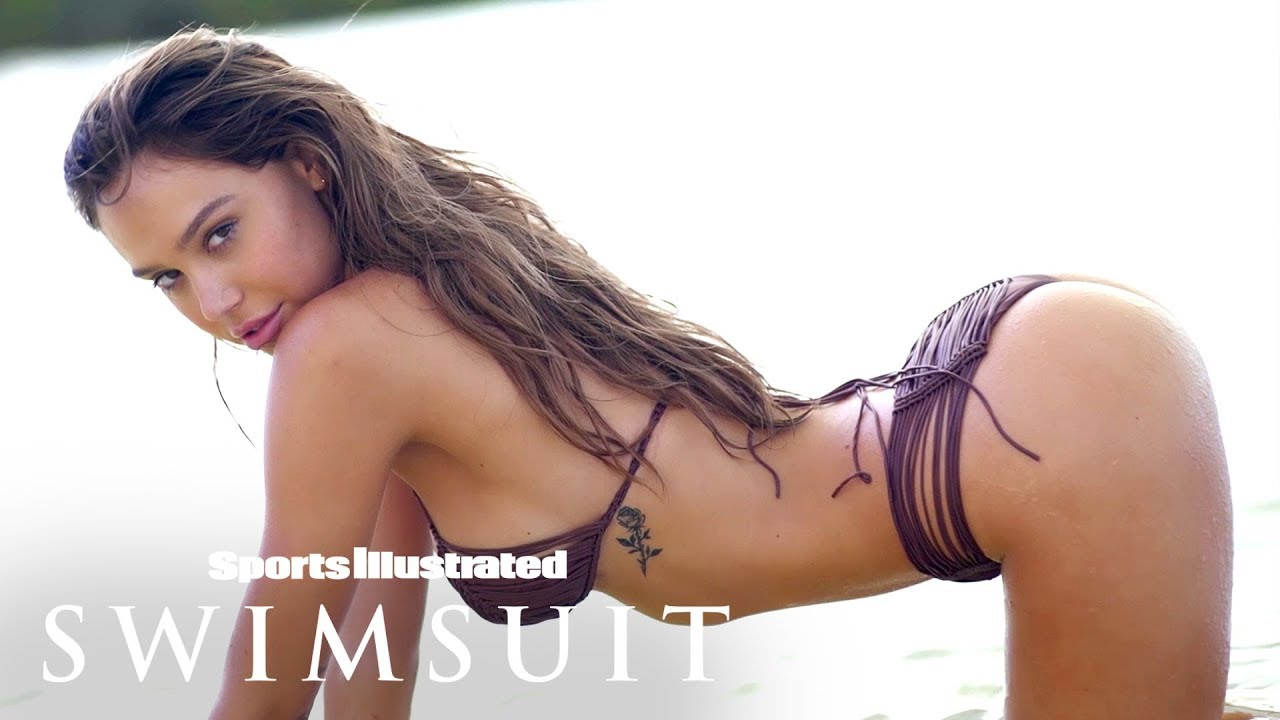 Alexis Ren für Intimates Sports Illustrated Swimsuit
