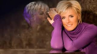 Download Mp3 Dana Winner   In Love With You
