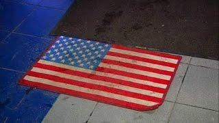 В торговом центре в Москве в ответ на санкции положили на пол коврики с флагом США (новости)