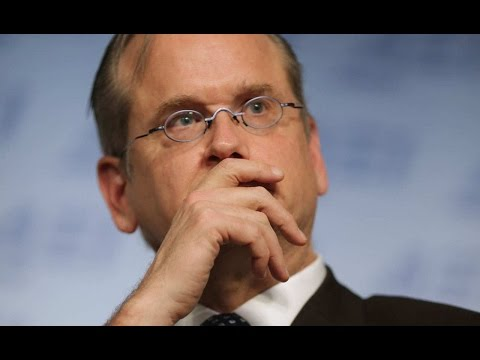 Leaked Emails: Establishment HATES Larry Lessig