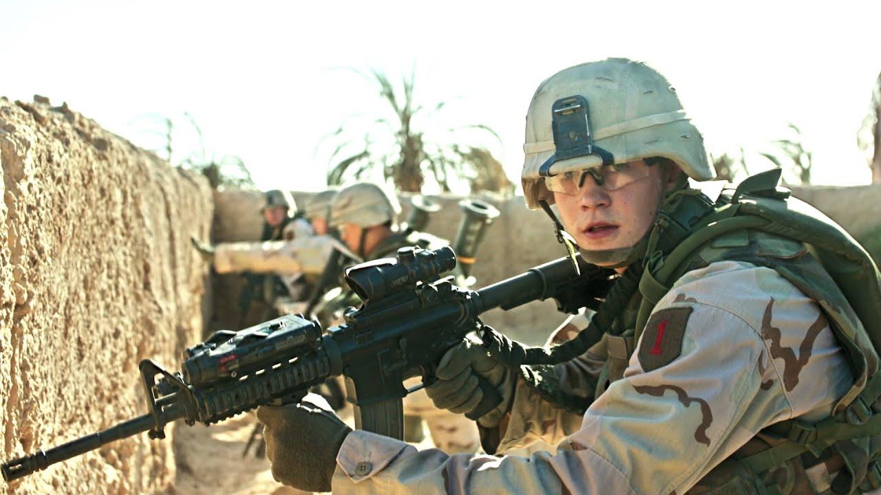 伊拉克战争:美军班长中埋伏被活捉,19岁新兵直接战场开挂,一战成名
