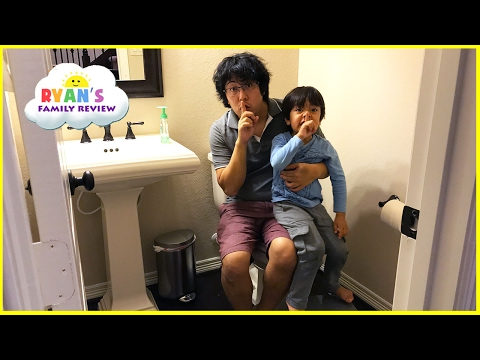 Kid Plays Scavenger Hunt Toys Hide N Seek Activities! Family Fun Playtime Ryan's Family Review
