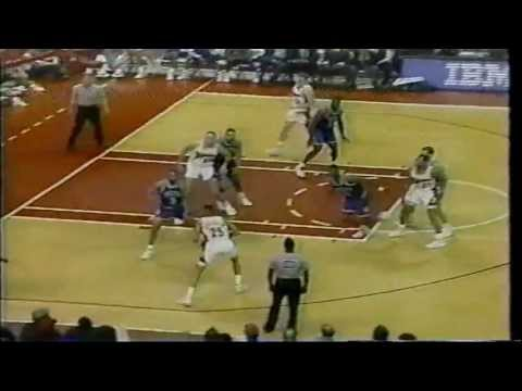 Kevin Harlan Cracking Jokes and Calling Dunks (1993)