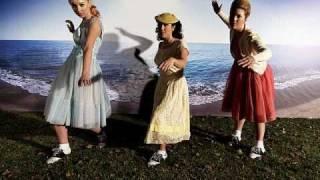 Danger Mouse & Sparklehorse - Little Girl (Feat. Julian Casablancas) (Dark Night of the Soul)