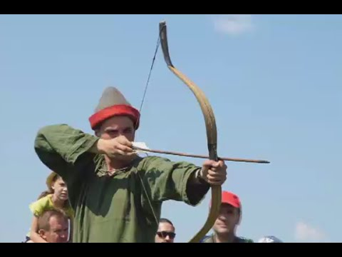 Total War: Medieval reenactors take down drones with spears in Russia