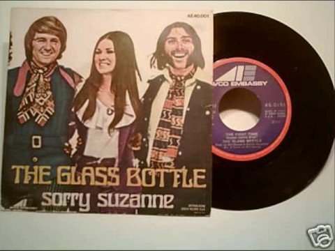 Sorry Suzanne - The Glass Bottle (lo siento Susana - Los Vasos Y las Botellas)