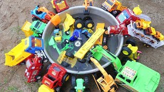 Car Toys For Kids - Car Toys Fall Into Water - Minute Toys KIDS
