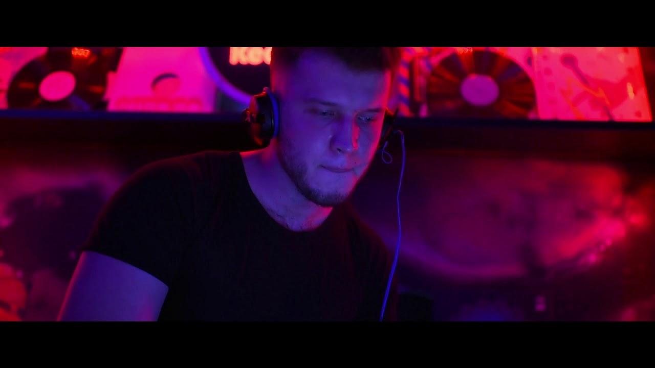Клитор крупным смотреть пикап в клубе порно девушек