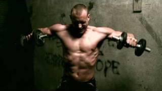 De Staat - Sweatshop - Official Music Video