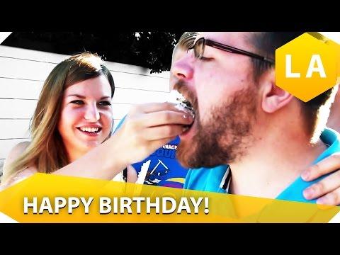 Kuchen und Geschenke für MissesVlog - Happy birthday, Kelly!