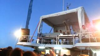 The Martinez Brothers |BOAT PARTY|  plays Green Velvet - Genedefekt