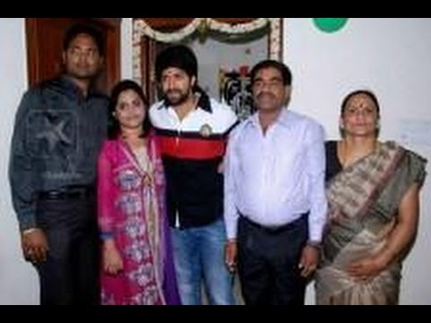 Kannada Actor Yash Family Photos Youtube