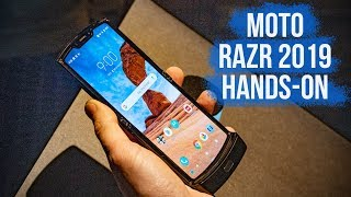 Moto Razr 2019 First Look: A Flipping Foldable Phone!