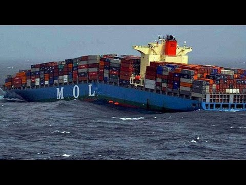 Merchant vessel splits in two off Yemeni coast