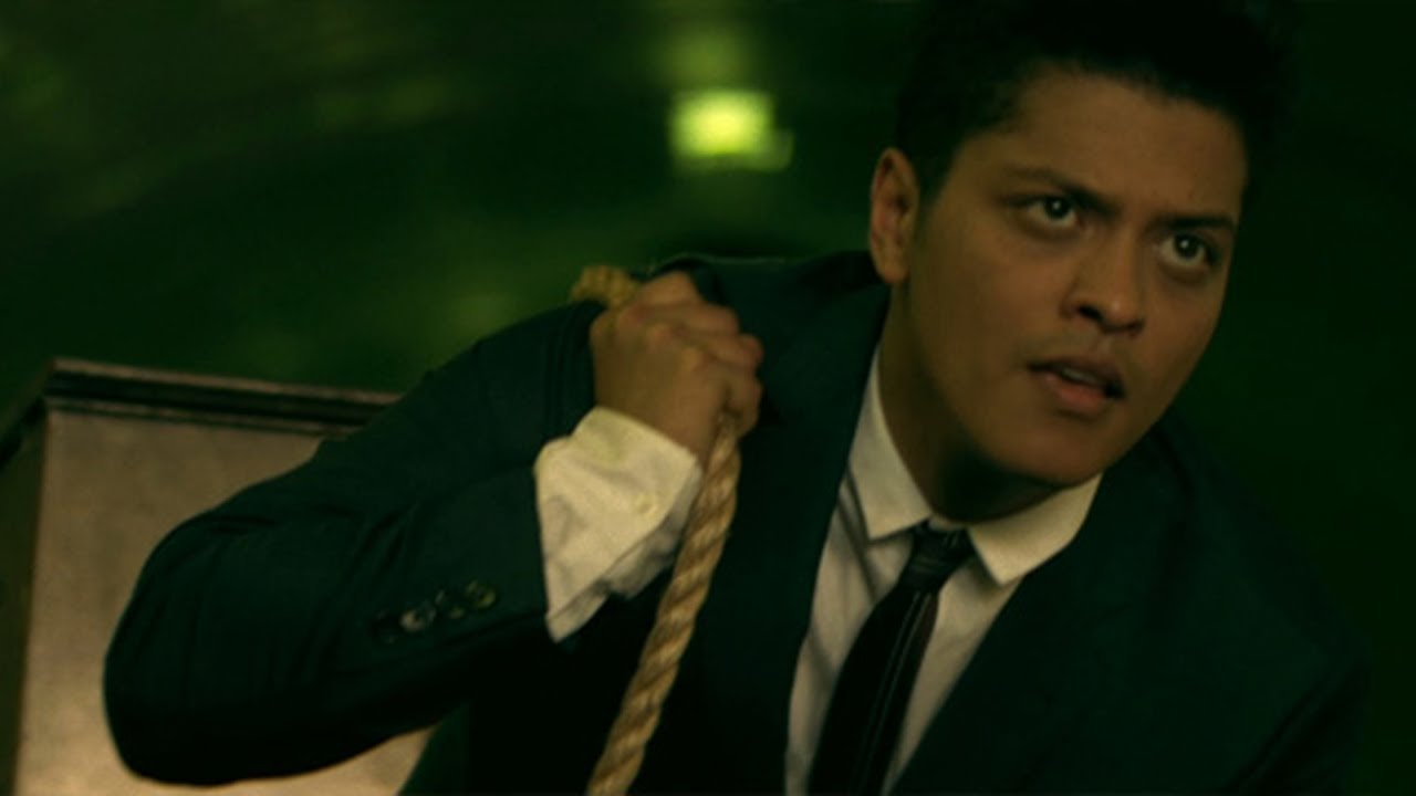 Bruno Mars - Grenade [Official Video] chords | Guitaa.com