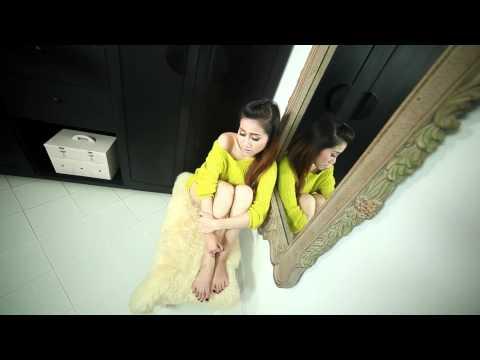 [MV HD] Gạt Anh Khỏi Trí Nhớ & Họa Bì - Vũ Trâm Anh