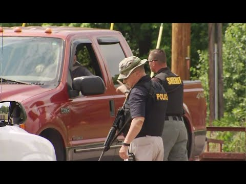 Search underway for suspect who killed Dickson County, TN deputy