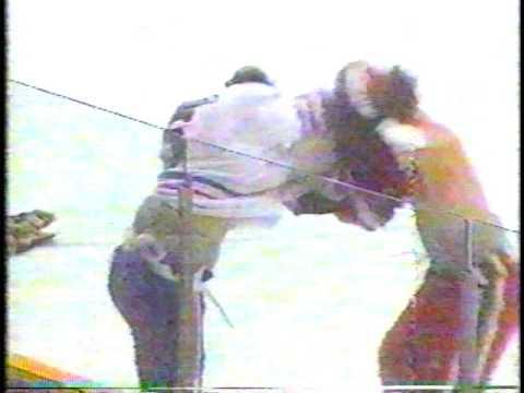 Mike Keane #25 vs Darren Parsons #6 WHL Nov 14/86