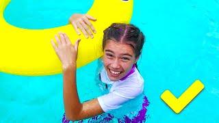 나스티아는 컬러 슈퍼 영웅의 경쟁에 참여하고 있습니다 - 와 그녀의 해변 여행
