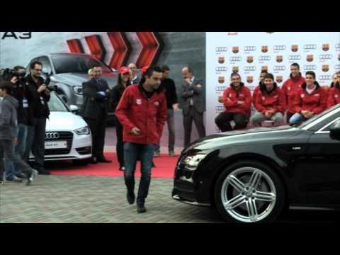 Los jugadores del FC Barcelona recogen sus nuevos Audi