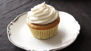 Vanilla Cupcakes Recipe With Buttercream Frosting - The Cupcake Project