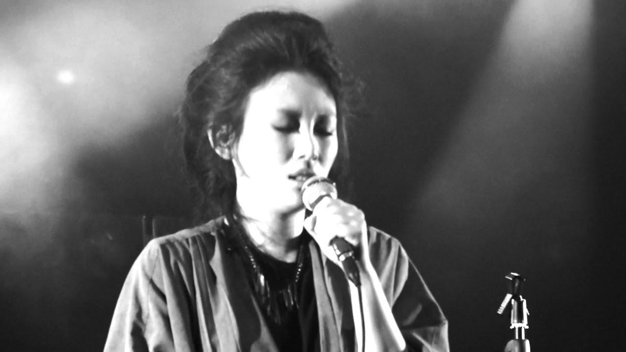 魏如萱 waa wei -晚安晚安@Legacy 都市女聲系列:翻譯的女人 2013'04'14 - YouTube
