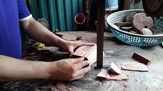 Cắt khúc gỗ sưa để làm bộ ấm chén vân đẹp