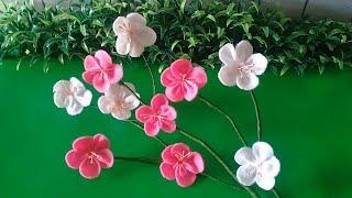 Berikut ini adalah video tentang cara paling mudah membuat bunga sakura dari kain flanel yang bisa digunakan untuk menghias ruangan. selain itu, bung...