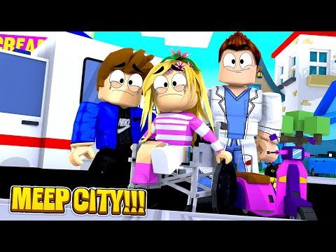 ROBLOX ROLEPLAY-BABY LEAH BREAKS HER LEG & GOES TO THE HOSPITAL!!!