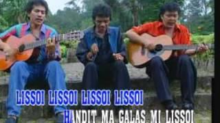 Trio Ambisi Lissoi With Caption