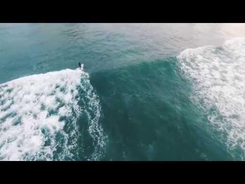Pops Waikiki Beach Hawaii Longboard Surfing