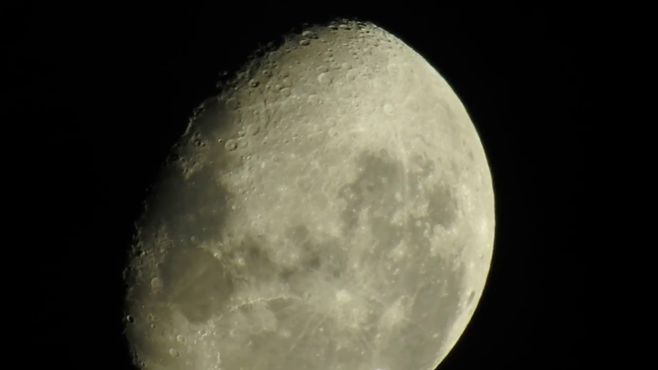 Waning Gibbous Moon From New Zealand 7122017 Youtube