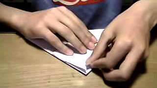 Come fare un aereo di carta che fa le capriole 2 parte: cosa fare con il foglio rimasto