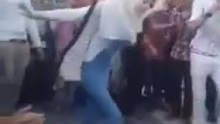 اجمل رقصه سوري بقلعت حلب مع احلا بنت  حلبيه