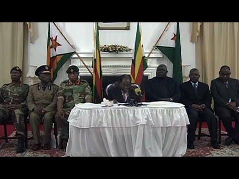 زيمبابوي: موغابي يتمسك بالسلطة ويتحدى في خطاب تلفزيوني المطالبات باستقالته  - نشر قبل 1 ساعة